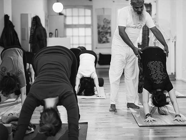 yoga teacher training in Berlin